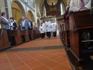 Einzug in der Messe