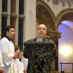 Pfr. Wolff begrüßt den Bischof und eröffnet den Abend