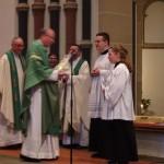 Überreichung des Geschenkes an Bischof Stephan